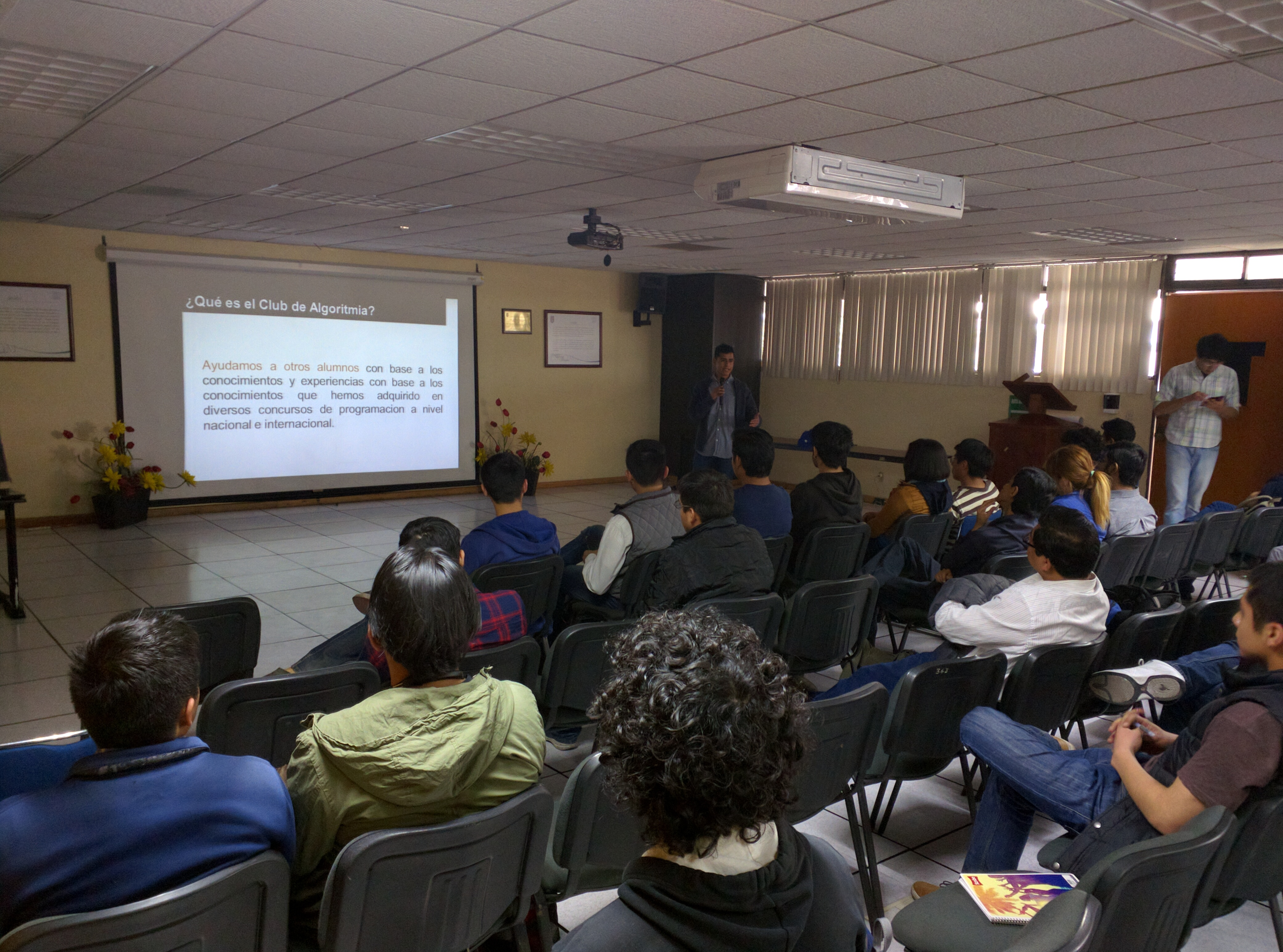 Sesión Informativa del Club de Algoritmia.